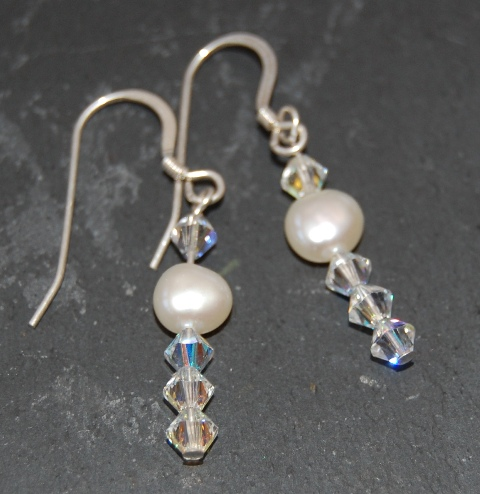 Freshwater Pearl & Swarovski Earrings (1 Pearl)  FE01-1P