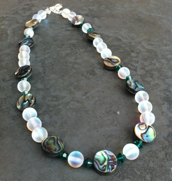 Paua, Swarovski Crystal & Iridescent Beaded Necklace circle/EM WAS £38 PN20